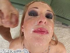 Буккаке на лицо блондинки из пяти членов