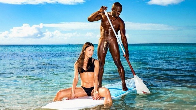 Устав от мужа шлюха пошла на сёрфинг с его лучшим другом