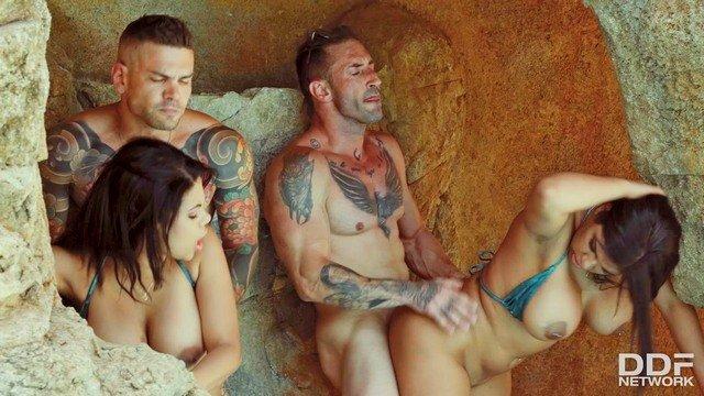 lesbi-otdih-video-porno-vpervie-kastinge